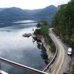 Rumunia - widok z zapory na jezioro i Trasę 7C